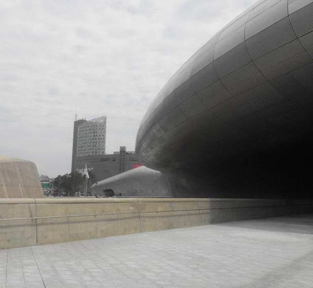 dongdaemun-design-plaza-modern-seoul-1