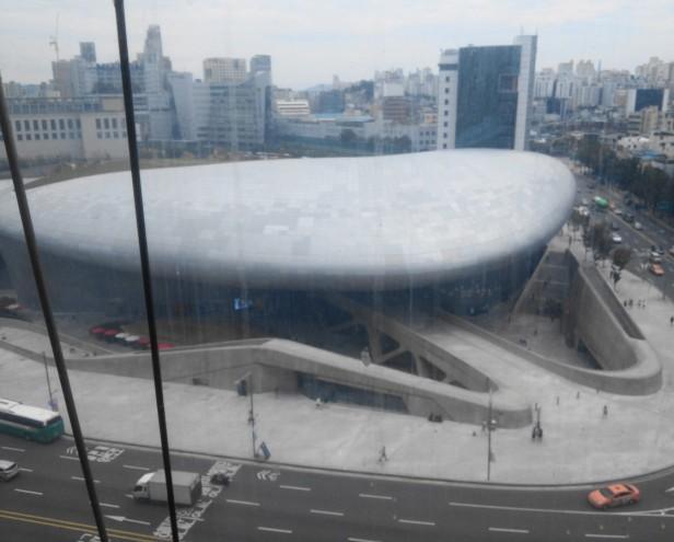 dongdaemun-design-plaza-modern-seoul-3