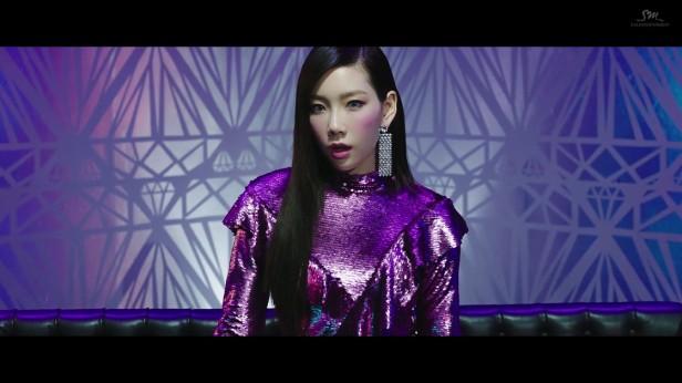 taeyeon-i-got-love-2017-kpop-smtown-2